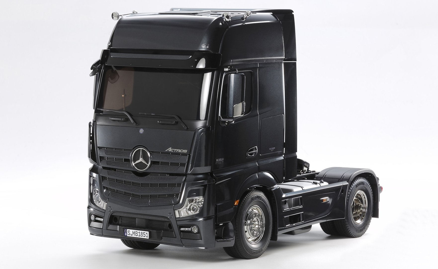 1:14 Mercedes Benz Actros1851 GigaSpace BLACK EDITION